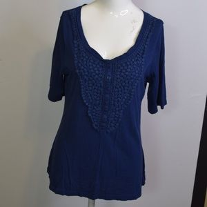 Old navy shirt size L